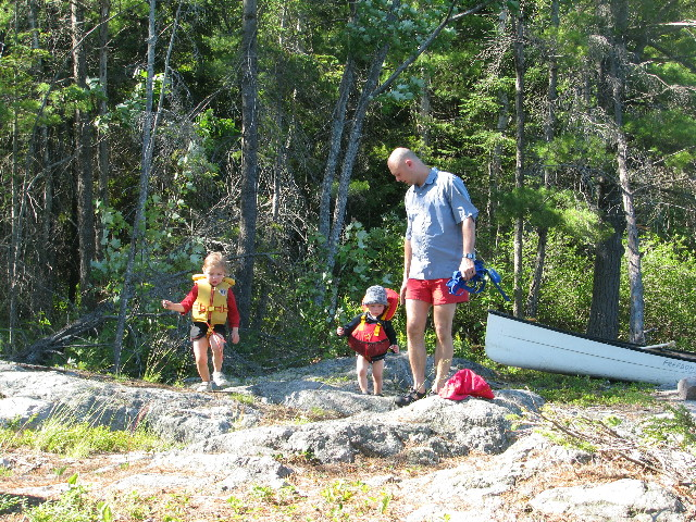 You are browsing images from the article: Family camping on the Gatineau River